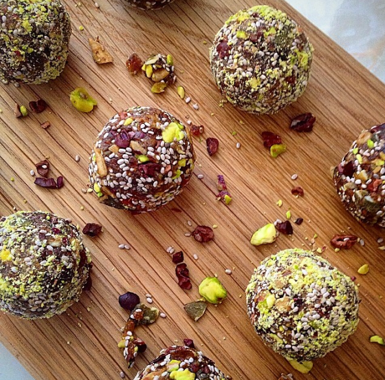 Natasha's healthy balls: made with dates, cacao nibs, pistachios, chia seeds, flax seeds, maca and vanilla!